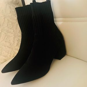 Forever-21 Black booties